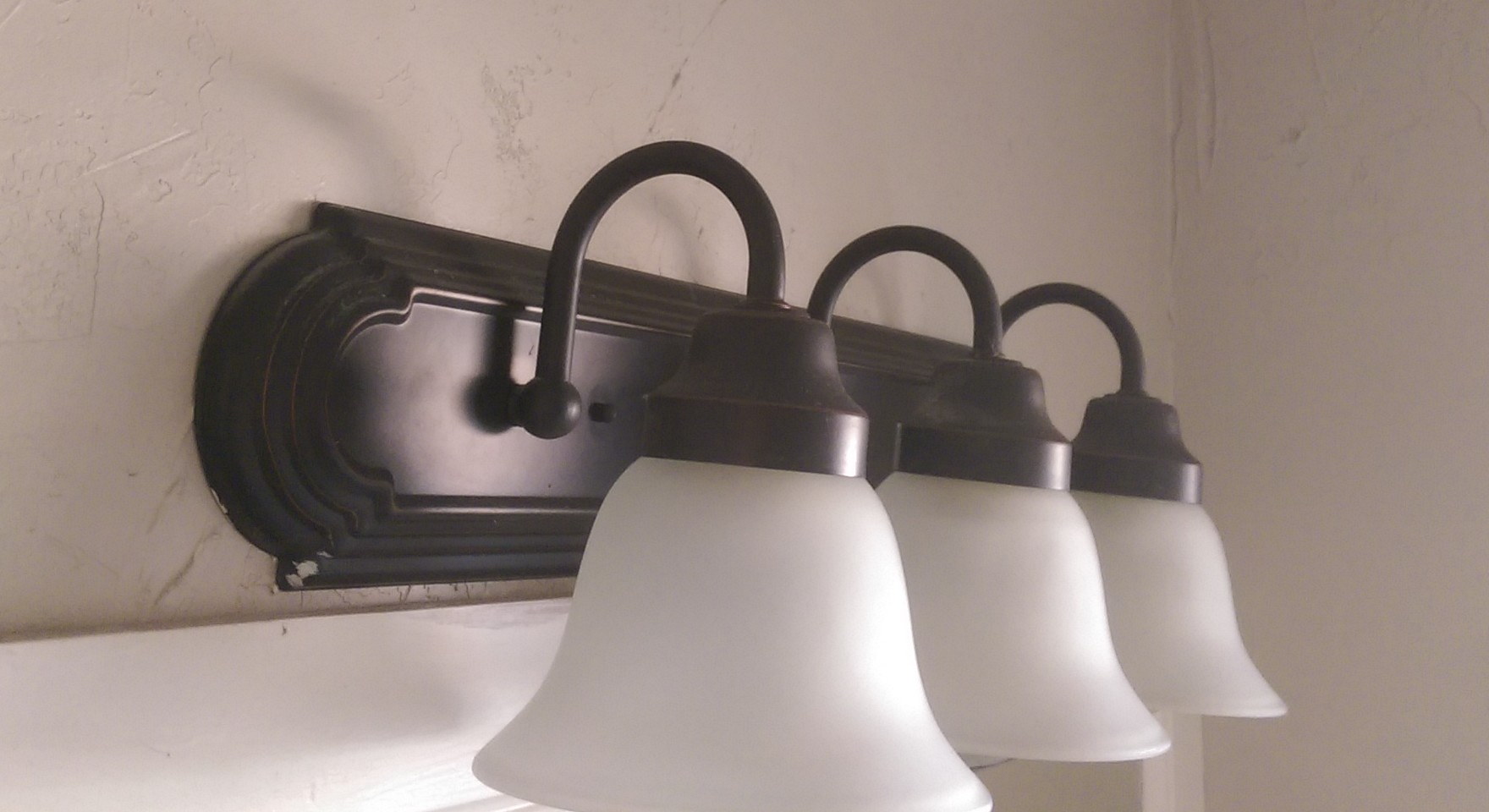 Fix Loose Bathroom Vanity Light Fixture HomeDIYGeek