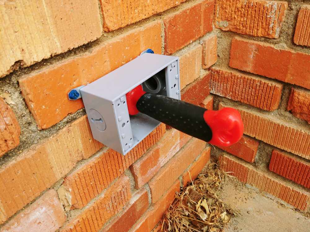 Fine Add An Exterior Outlet On A Brick House Homediygeek Wiring Cloud Mangdienstapotheekhoekschewaardnl